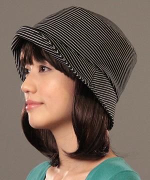 医療用帽子・キャノチエB 室内ではツバを折り返して
